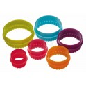 Colourworks - Round cookie cutters plastic, 6 pieces